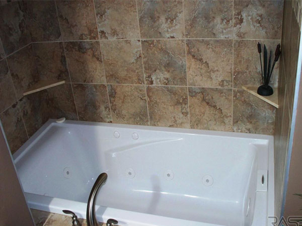 AA Plumbing Knoxville Bathroom Whirlpool Tub_edited-1